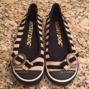 Rocket Dog Ballet Black and Gold Fabric Flats 7.5